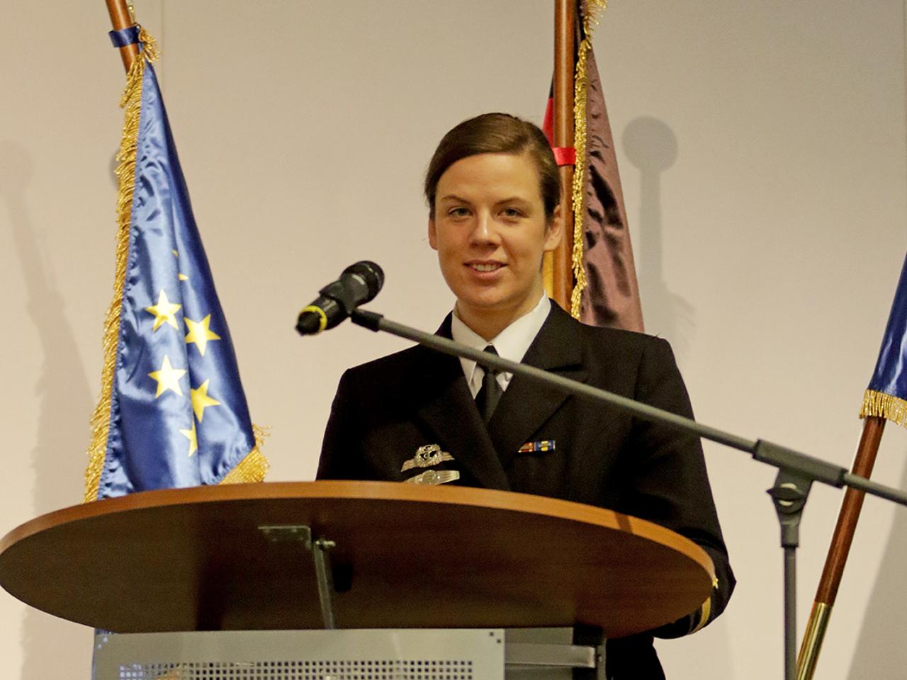 Kapitänleutnant Luisa Winkler (Quelle: 2017 Bundeswehr / Matthias Letzin/Presse- und Informationszentrum Marine)